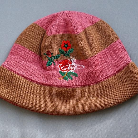 Vivienne Westwood Japanese like wool hat. M 5ac1a4375521beb21c5ff161 8086ab3700b